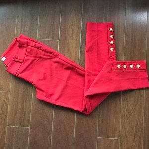 Capri cropped pants with gold button